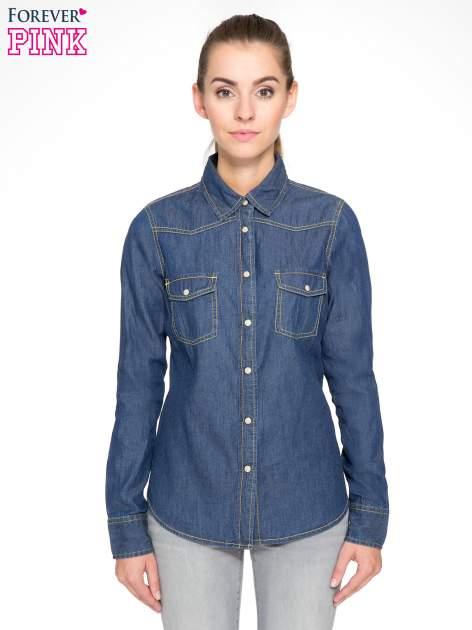 Klasyczna ciemnoniebieska jeansowa koszula z kieszonkami                                  zdj.                                  1