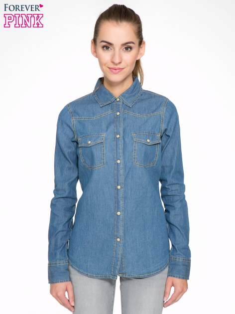 Klasyczna niebieska jeansowa koszula z kieszonkami                                  zdj.                                  1