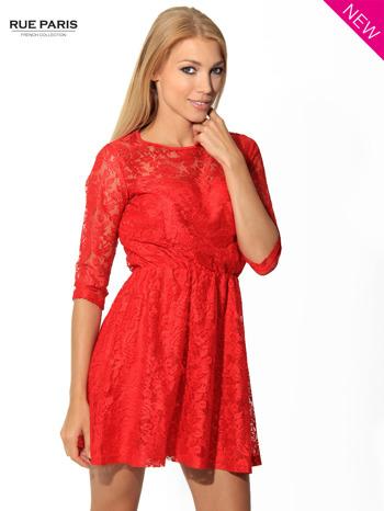Kloszowana sukienka pokryta na górze czerwoną przezroczystą koronką                                  zdj.                                  2