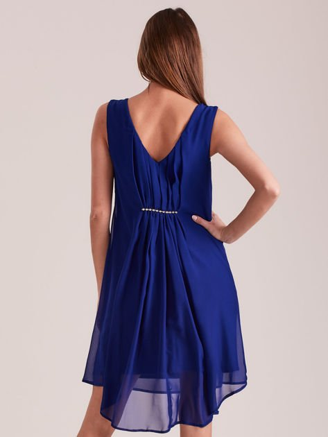 Kobaltowa sukienka z aplikacją z tyłu                              zdj.                              2