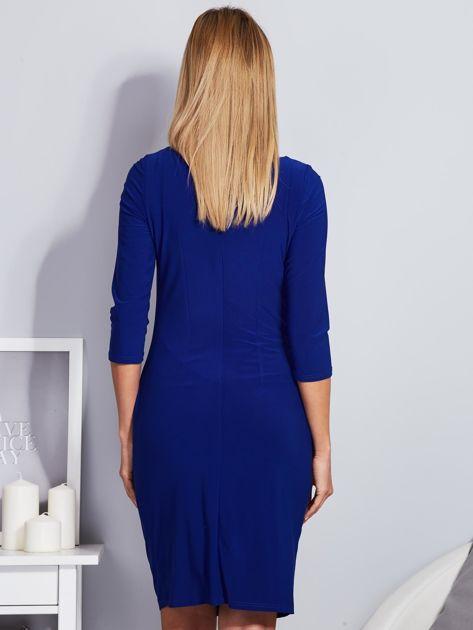 Kobaltowa sukienka z drapowaniem                              zdj.                              2