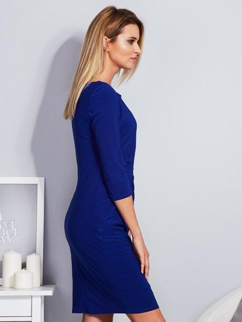 Kobaltowa sukienka z drapowaniem                                  zdj.                                  3