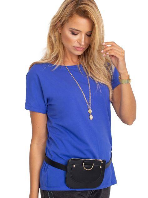 Kobaltowy t-shirt z dekoltem na plecach                               zdj.                              4