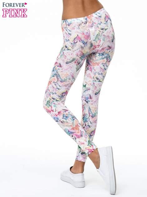Kolorowe legginsy z pastelowym nadrukiem                                  zdj.                                  4