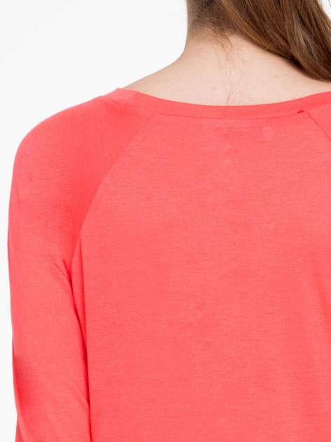Koralowa bawełniana bluzka z rękawami typu reglan                                  zdj.                                  7