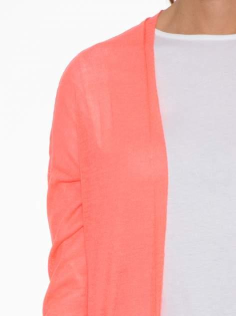 Koralowy długi sweter typu kardigan z kieszonkami                                  zdj.                                  6