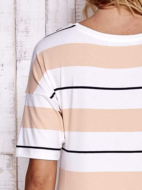 Koralowy t-shirt w kolorowe paski                                  zdj.                                  7