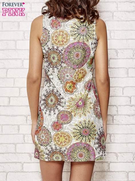 Koronkowa sukienka z kolorowymi kwiatami                                  zdj.                                  2