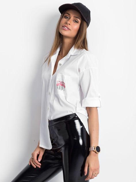 Koszula biała z nadrukiem flamingów                              zdj.                              3