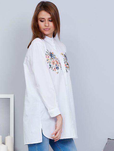 Koszula biała ze stójką i haftem                              zdj.                              5