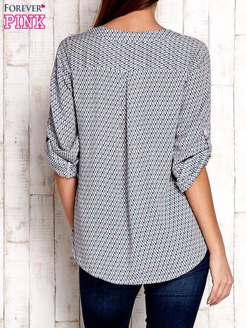 Koszula w geometryczne wzory z podwijanymi rękawami                                  zdj.                                  4