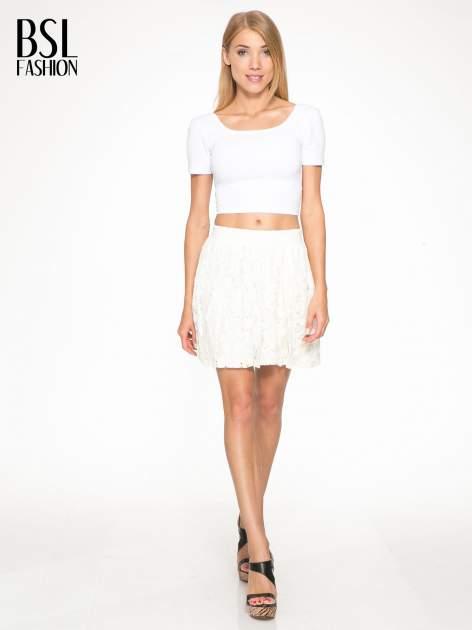 Kremowa koronkowa mini spódniczka na gumkę                                  zdj.                                  2