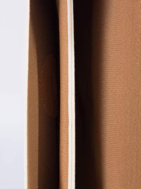 Kremowa torebka listonoszka z falowanym wykończeniem                                  zdj.                                  5