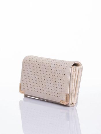 Kremowy dziurkowany portfel ze złotym wykończeniem                                  zdj.                                  3