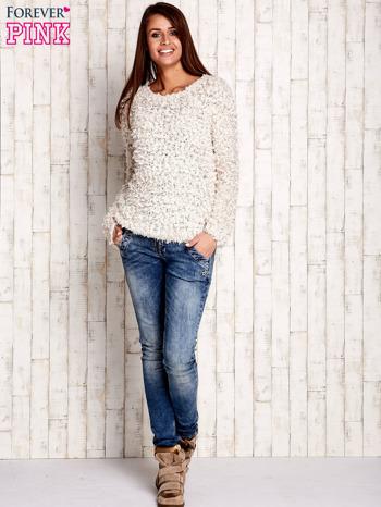 Kremowy włochaty sweter                                  zdj.                                  2