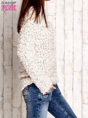 Kremowy włochaty sweter                                  zdj.                                  3