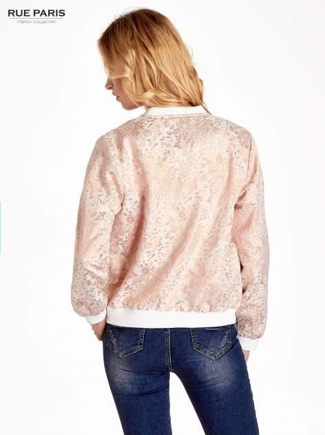 Kurtka bomber jacket z żakardowego materiału przeplatanego nicią w kolorze różowego złota                                  zdj.                                  4