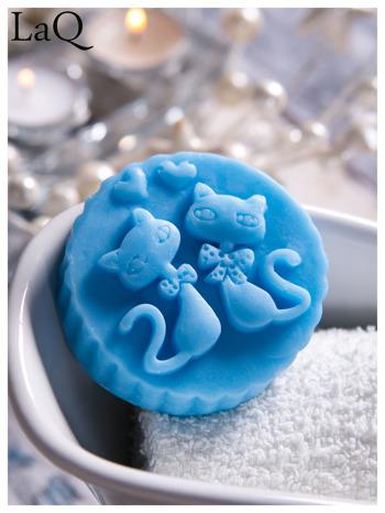 LaQ Mydełko Dwa kotki w medalionie - niebieski / Zapach - wata cukrowa BEZ SLS i SLES                                  zdj.                                  2