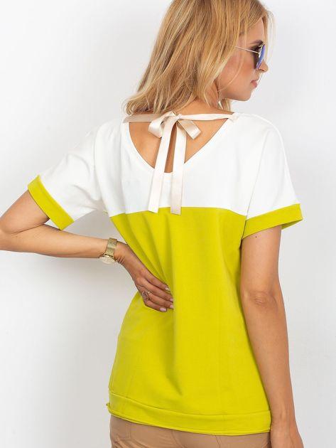 Limonkowa bluzka z dekoltem na plecach                              zdj.                              2