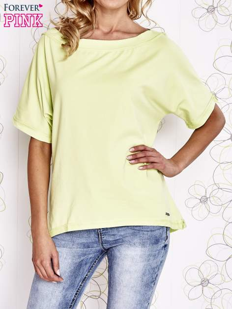 Limonkowy t-shirt z dekoltem w łódkę                                  zdj.                                  1