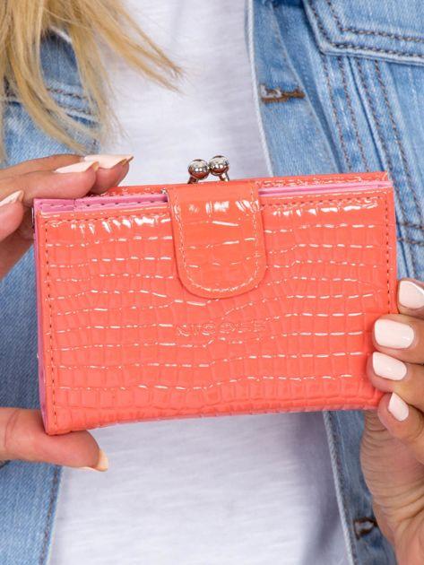 Łososiowy portfel damski z biglem