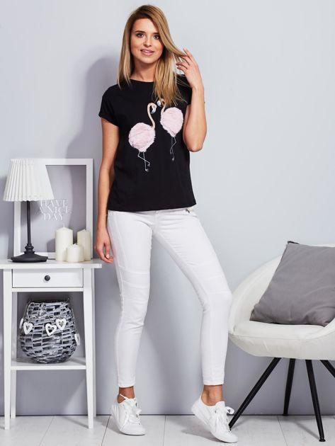 Luźny t-shirt z futrzanymi flamingami czarny                                  zdj.                                  4