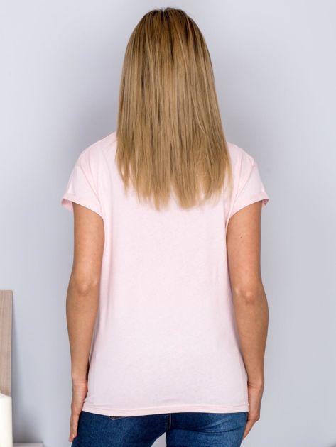 Luźny t-shirt z futrzanymi flamingami jasnoróżowy                              zdj.                              2