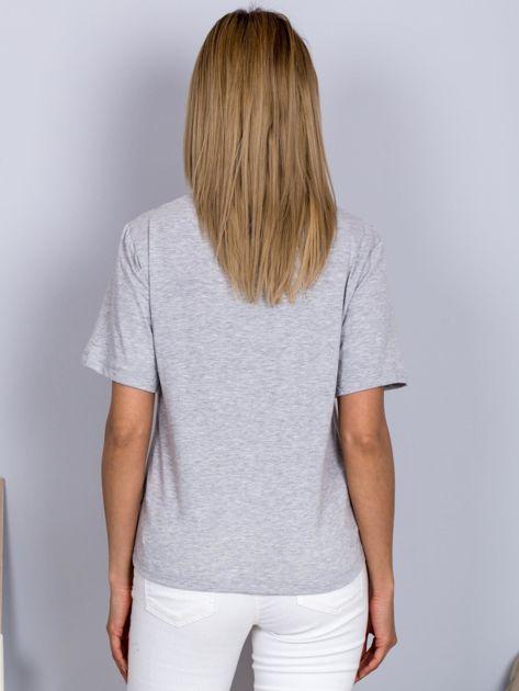 Luźny t-shirt z nadrukiem popcornu z cekinami jasnoszary                                  zdj.                                  2
