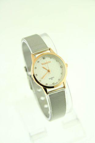 Mały biały zegarek damski na srebrnym pasku                                  zdj.                                  1