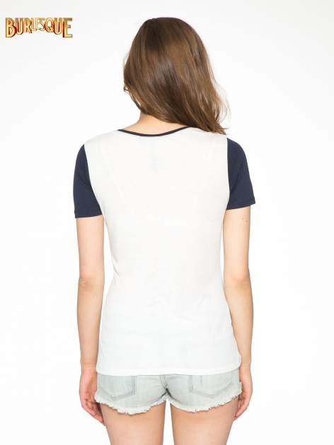 Melanżowo-granatowy t-shirt z nadrukiem FASHION 88                                  zdj.                                  4
