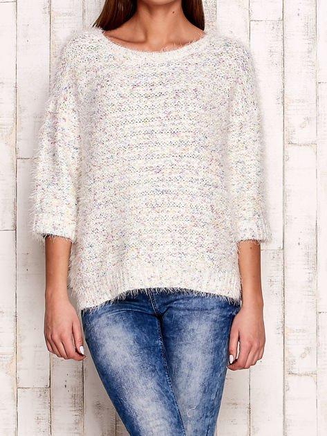 Melanżowy włochaty sweter z podwijanymi rękawami                                  zdj.                                  1