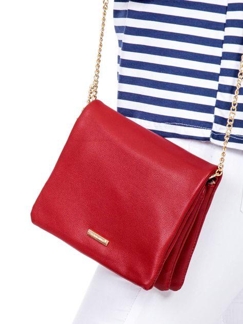 Miękka czerwona torebka na łańcuszku                              zdj.                              1