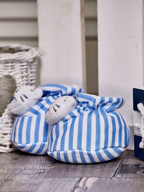 Miękkie buciki dziecięce w paski z ozdobnym kotkiem niebieskie                              zdj.                              2