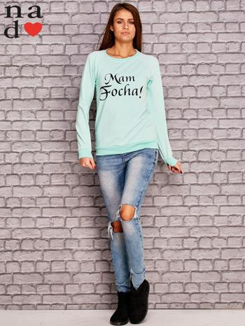 Miętowa bluza z napisem MAM FOCHA                                  zdj.                                  2