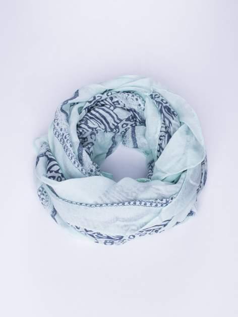 Miętowa chusta w kratę animal print                                  zdj.                                  1