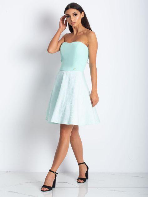 Miętowa rozkloszowana sukienka bez ramiączek                              zdj.                              3
