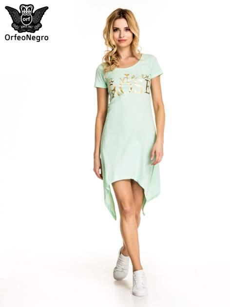 Miętowa sukienka z asymetrycznymi bokami i złotym napisem LA VIE EN ROSE                                  zdj.                                  5