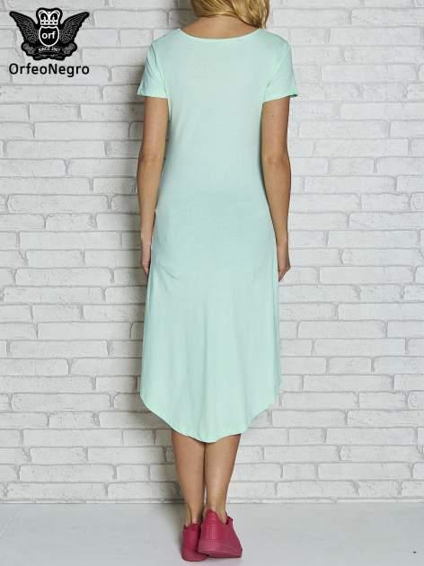 Miętowa sukienka z dłuższym tyłem i napisem SHAKE!                                  zdj.                                  3
