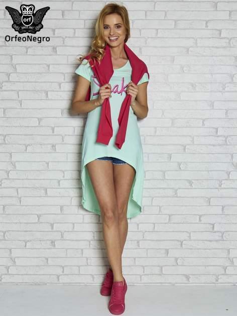 Miętowa sukienka z dłuższym tyłem i napisem SHAKE!                                  zdj.                                  2
