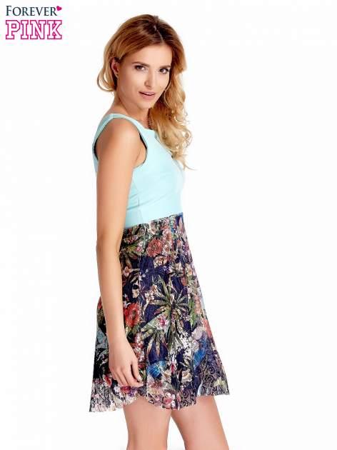 Miętowa sukienka z kwiatowym dołem                                  zdj.                                  4