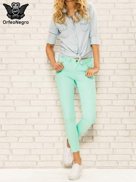 Miętowe spodnie rurki skinny z kieszeniami                                  zdj.                                  2