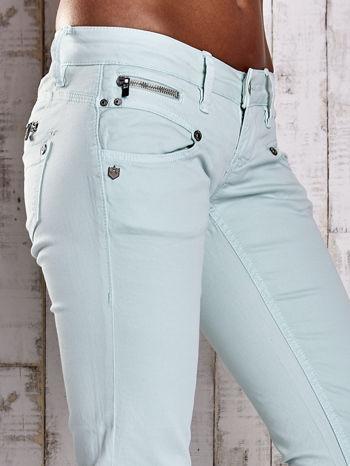 Miętowe spodnie ze stretchem                                  zdj.                                  5