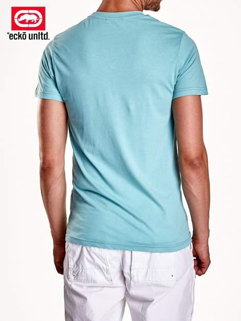 Miętowy t-shirt męski z białym logiem i napisem                                  zdj.                                  5