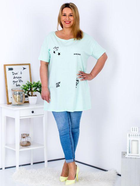 Miętowy t-shirt z aplikacją PLUS SIZE                              zdj.                              4