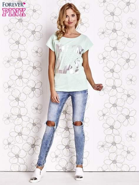 Miętowy t-shirt z motywem gwiazdy i dżetami                                  zdj.                                  4