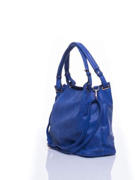 Niebieska ażurowa torba na ramię                                  zdj.                                  4