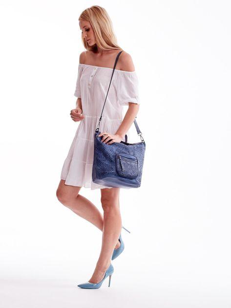 Niebieska ażurowa torba z plecioną kieszonką                              zdj.                              5