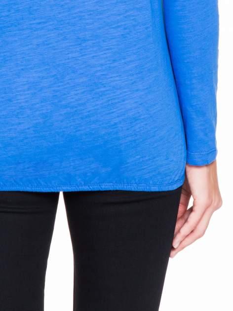 Niebieska bluzka z koronkowym karczkiem                                  zdj.                                  8