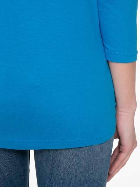 Niebieska bluzka z marszczonym dekoltem i rękawkami 3/4                                  zdj.                                  8