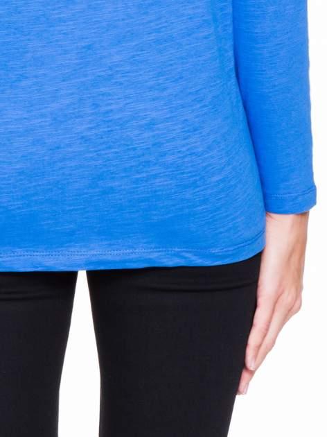 Niebieska bluzka z wiązanym oczkiem z tyłu                                  zdj.                                  8